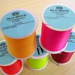 VENIARD - GLO-BRITE FLOSS 100 YARD SPOOL